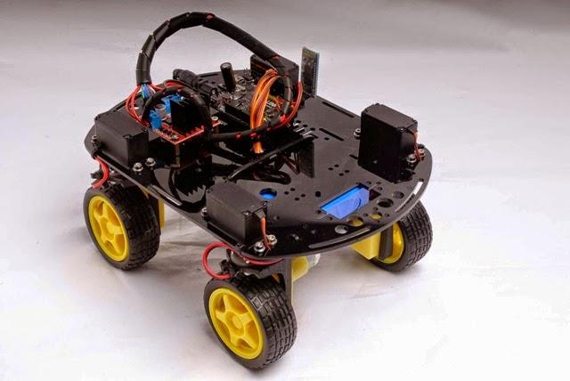 Andromina robot v arduino uno controlado desde