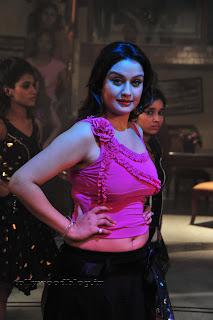Sonia Agarwal Item Song Pictures 006.jpg