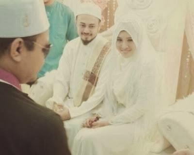 Gambar Perkahwinan Ustaz Syed Abd Kadir Syed Hussin Aljoofre Dengan Salima Habibi [ Bekas Pelajar Akademi Fantasia ]