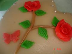 Bolo de Doce Fino com rosas