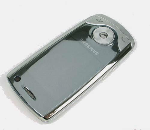 Cần bán điện thoại 3g giá rẻ Samsung u700 cũ tại Hà Nội, điện thoại samsung u700 3g kiểu trượt, hình thức đẹp, màn hình đẹp, camera 3.2 nét, máy có luôn camera trước phục vụ video call hoặc chụp ảnh tự sướng, có 3g tốc độ cao và java cài đặt phần mềm chat lên mang facebook zalo, nghe nhạc, chụp ảnh đẹp, điện thoại hoạt nghe gọi to rõ, sóng khỏe, mọi tính năng hoạt động tốt, hình thức còn đẹp như ảnh chụp. Tính năng độc đáo toàn bộ phím bấm điều hứng cảm ứng rất nhạy, phím di chuyển 5 chiều có khả năng xoay tròn như iPod, dễ dàng điều khiển và chọn bài nghe nhạc  Giá: 450.000 ( máy, pin, sạc) Liên hệ: 0904.691.851 - 0976.997.907 Giao hàng miễn phí nội thành Hà Nội