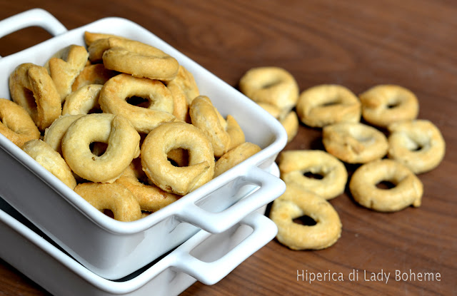 hiperica_lady_boheme_blog_di_cucina_ricette_gustose_facili_veloci_taralli_2