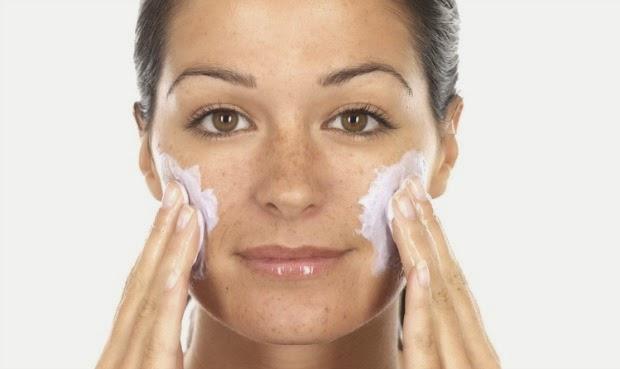 Como aplicar el exfoliante facial