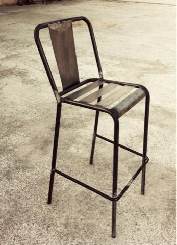 Dadra mesas de hierro sillas de metal y muebles estilo for Modelos de sillas de hierro