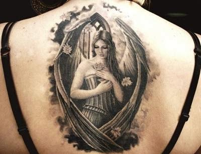 tatuagens de anjos nas costas femininas - foto