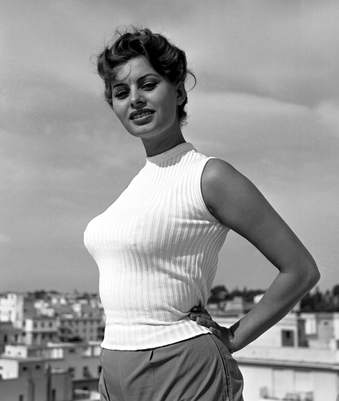 Crush Of The Day..!: Sophia Loren Hot Photoshoot