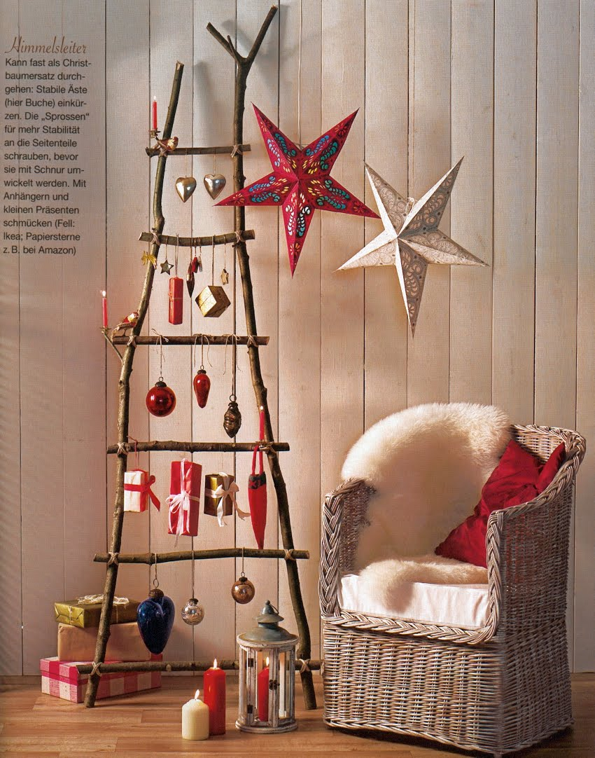 source - Christmas Ladder Decor