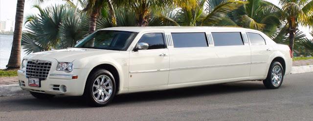 xe cưới Limousine Chrysler C300