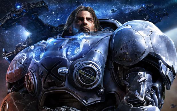 Armadura biomecânica de Jim Raynor, personagem principal do jogo.