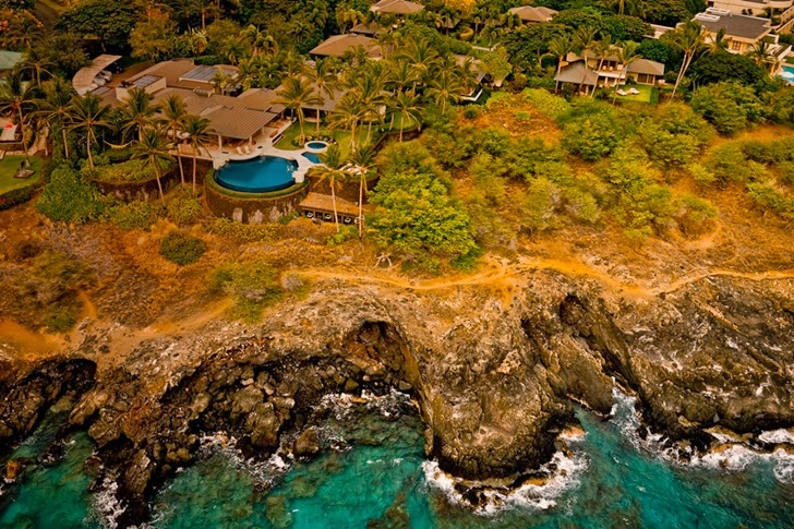 http://4.bp.blogspot.com/-MOEdc0c6784/UlBAbOgifLI/AAAAAAAAaHM/zEIldDeARf0/s1600/Incredible_Cliff_House_Property_On_Big_Island_Hawaii_world_of_architecture_02.jpeg