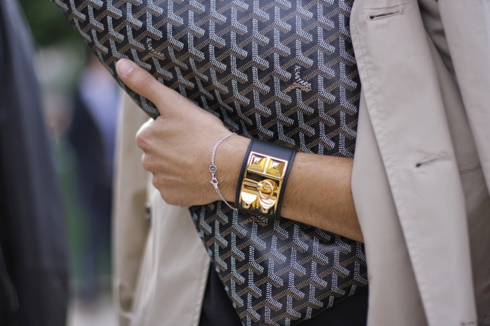 Street Style Images Of Hermes Collier De Chien Bracelet And Goyard Clutch