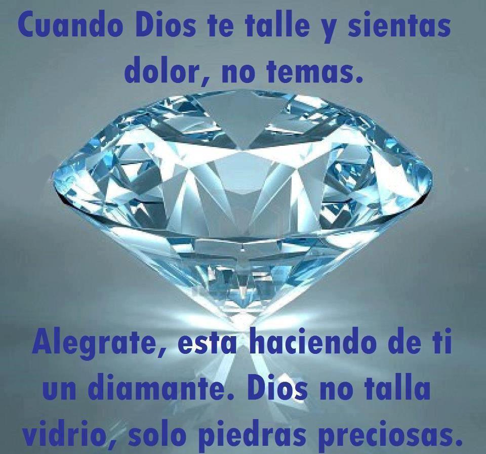 Dios talla piedras preciosas