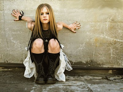 Avril Lavigne hot sexy images collection for 2011