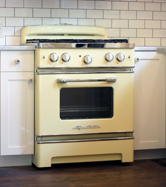 {Beautiful Nest}: Vintage Stove Or New Stove? {Your Advice