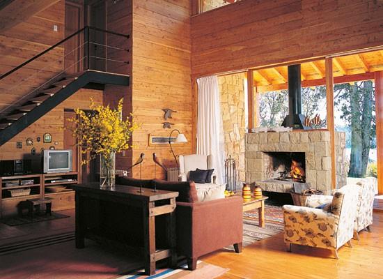 Decorar embaixo de escadas decora o e inven o for Salones con escaleras interiores