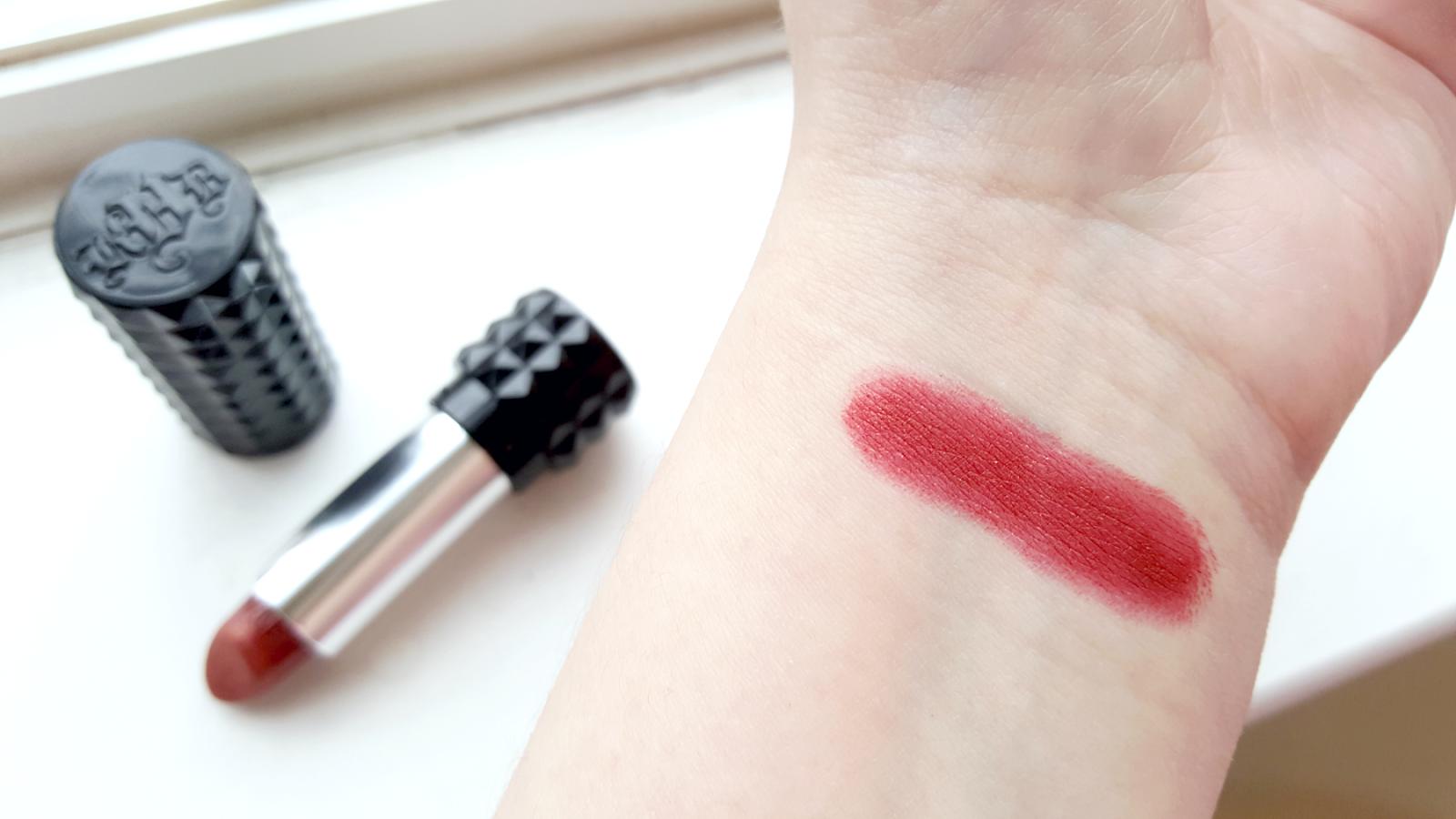 kat-von-d-studded-kiss-lipstick-thin-lizzy-swatch