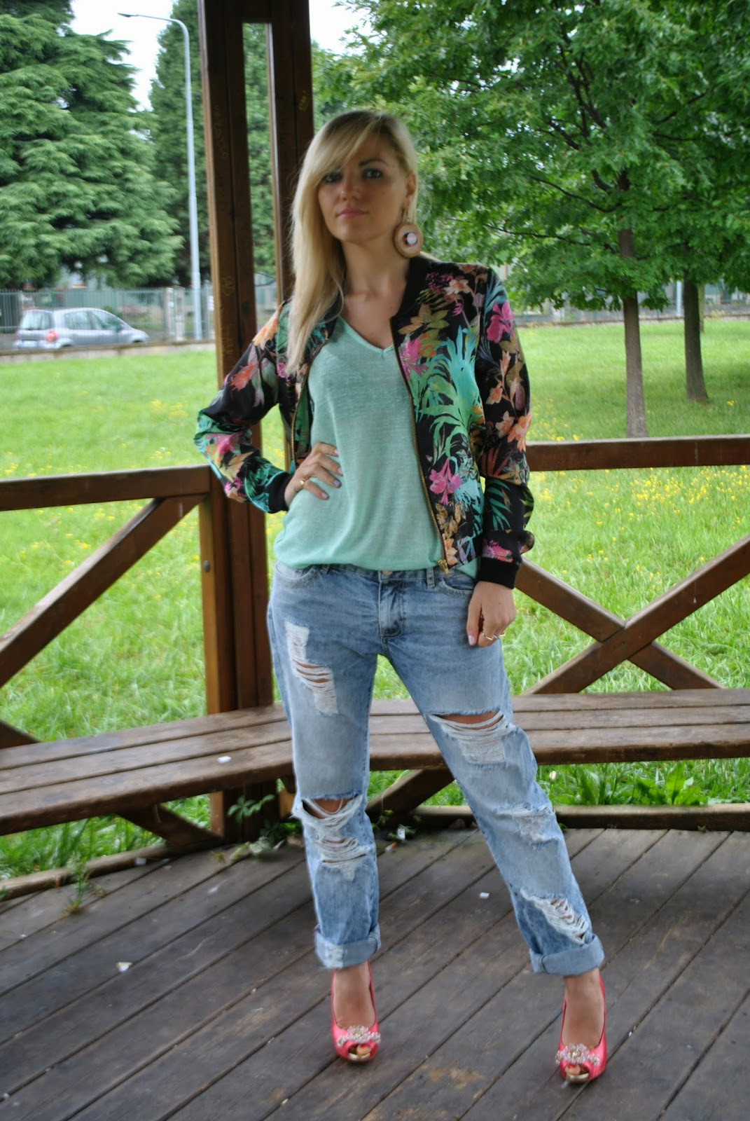 outfit mariafelicia magno mariafelicia magno fashion blogger colorblock by felym fashion blogger italiane fashion blog italiani best outfit 2014 outfit boyfriend jeans bomber stampa fiori
