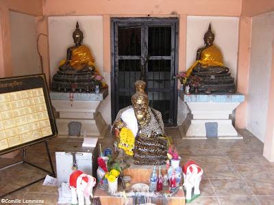Wat That Noi, Deity