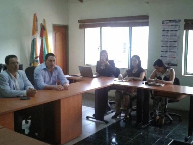 Centro de prensa contralor a general de santander for Oficinas santander malaga