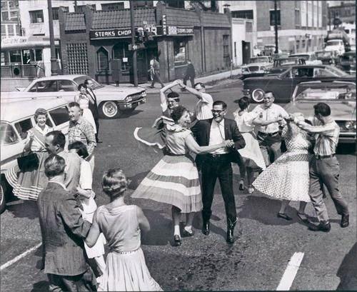 Si no se puede bailar, no es mi revolución - Blog El Señor Gordo