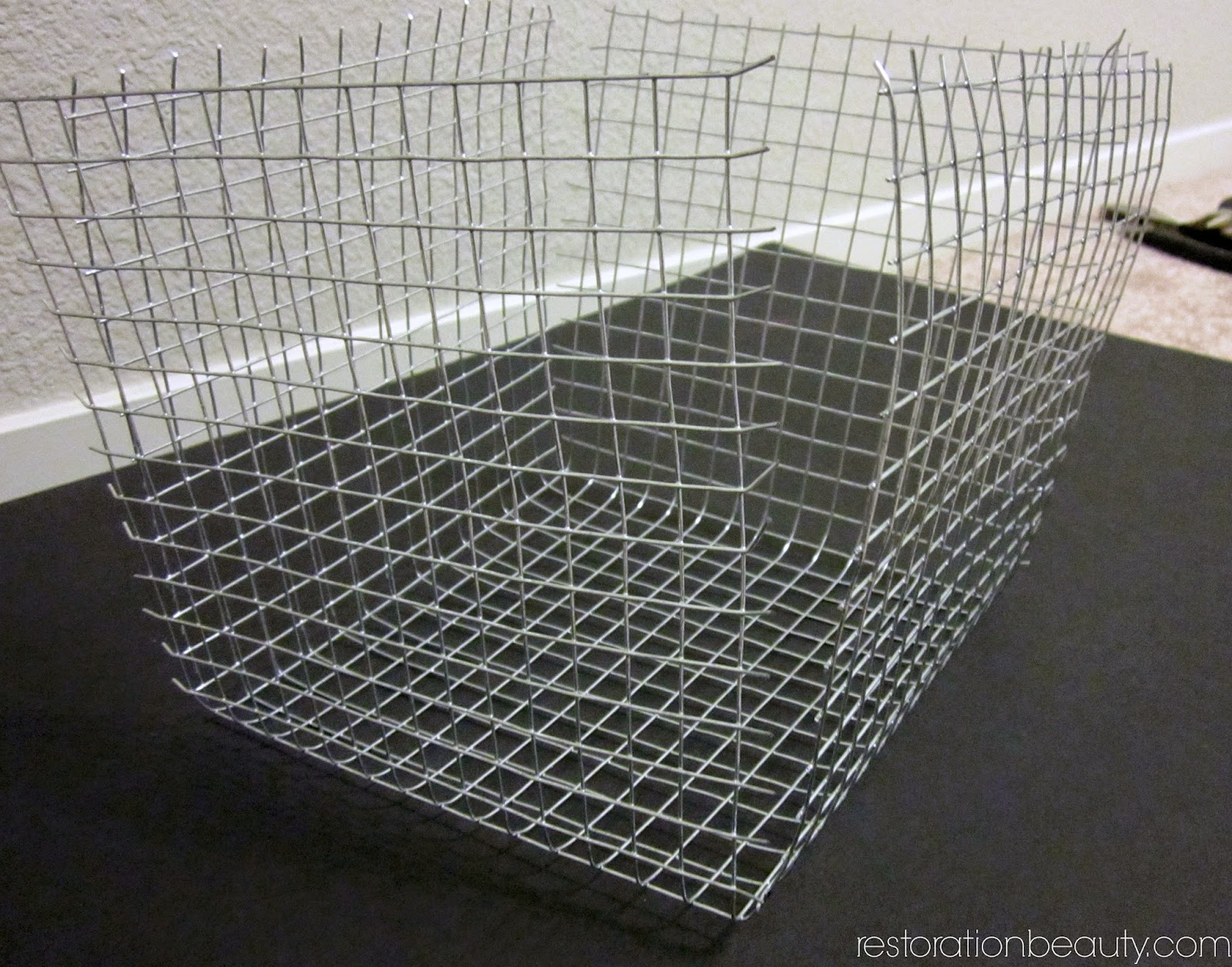 restoration beauty diy wire basket for under 6. Black Bedroom Furniture Sets. Home Design Ideas