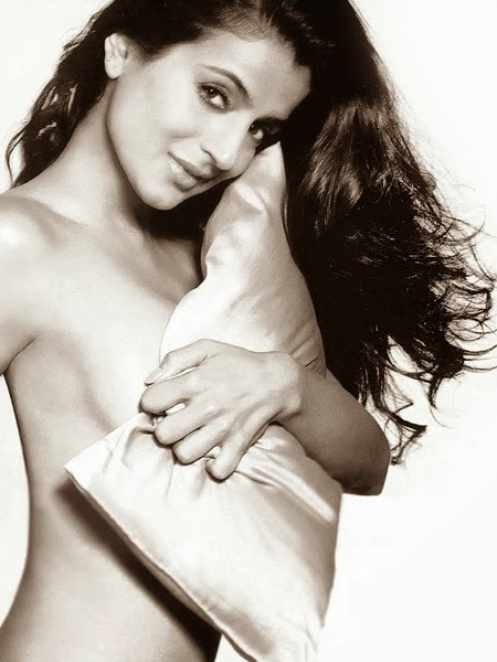 Ameesha Patel Topless Photo