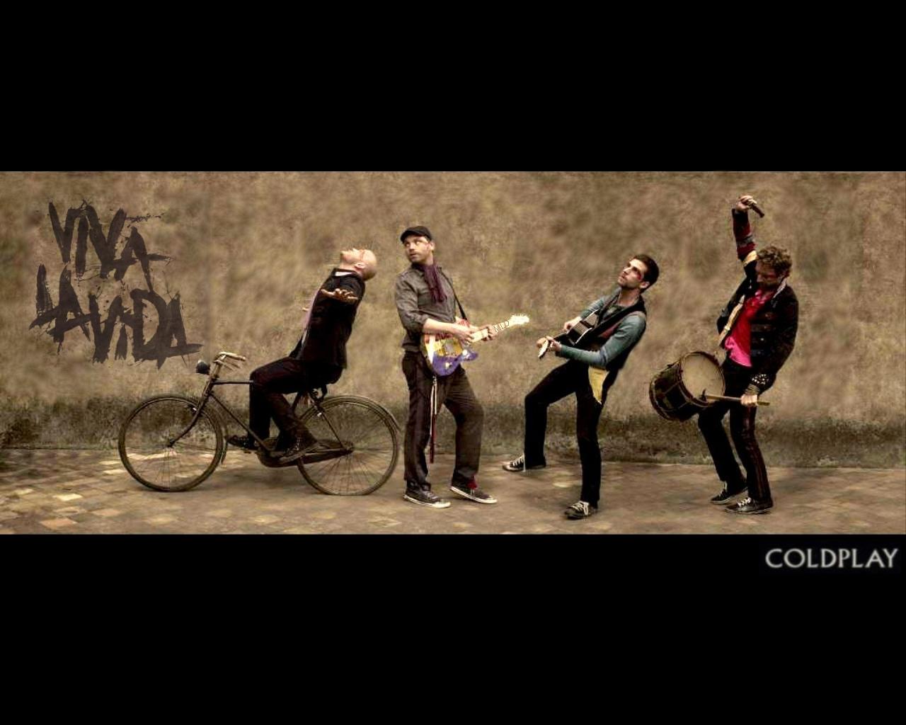 http://4.bp.blogspot.com/-MPj4tT0y2f8/TyWKLfFmdII/AAAAAAAAAfk/8ruUKryfkVo/s1600/Coldplay1.jpg