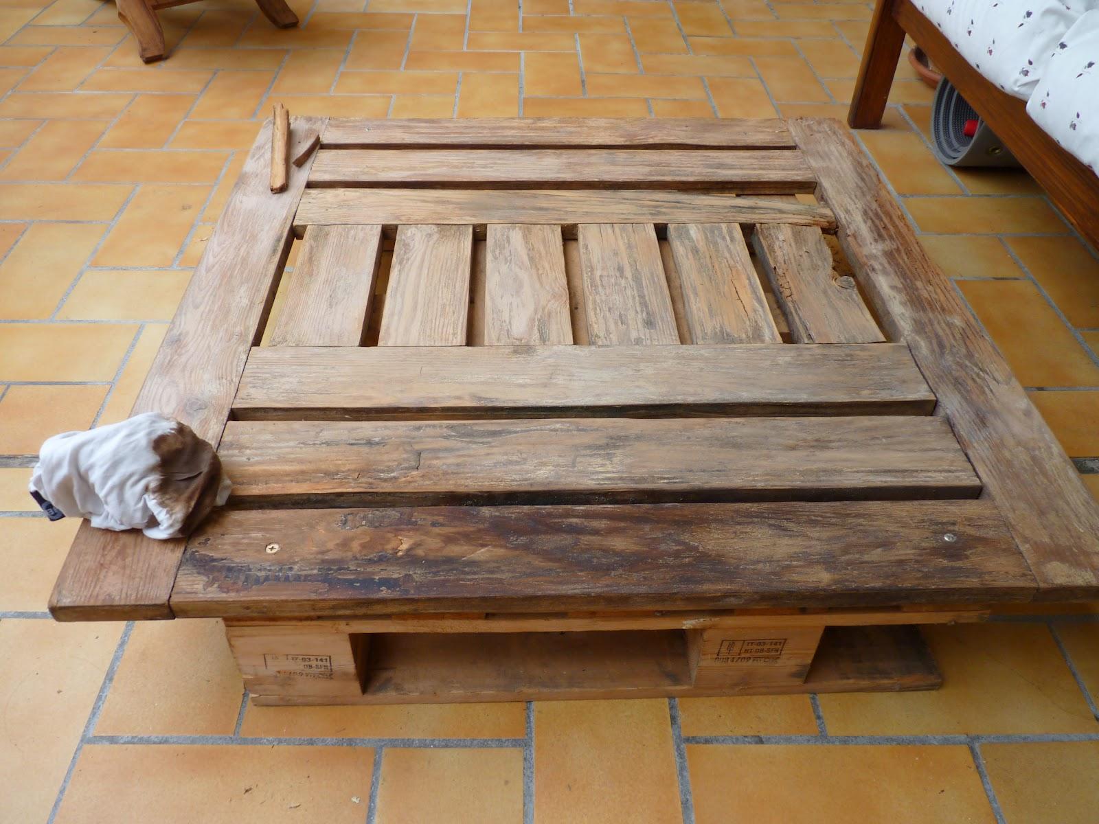 recup simple life fabriquer une table de jeux. Black Bedroom Furniture Sets. Home Design Ideas