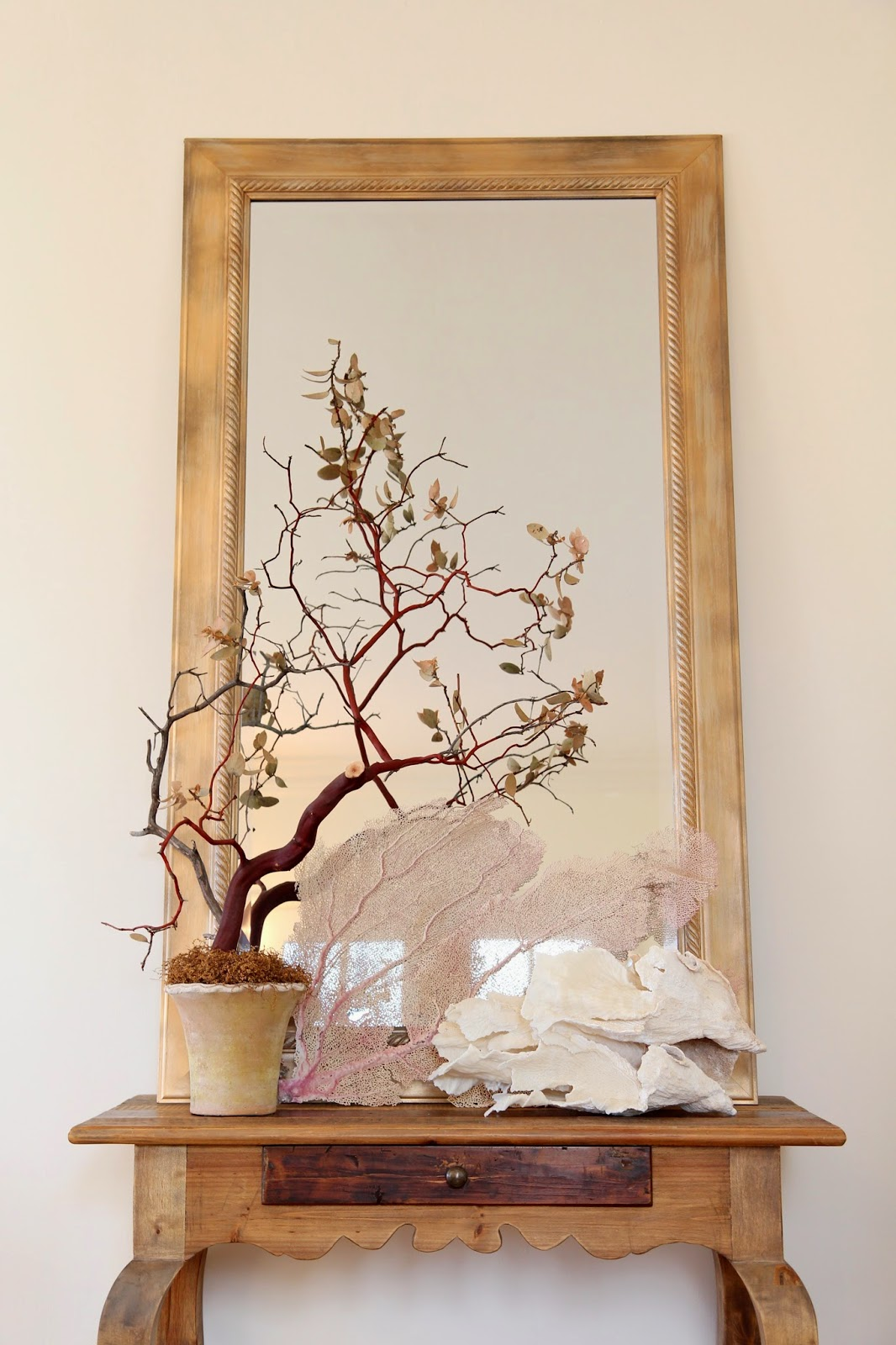 Transform a Frame from New to Antique; Nora's Nest