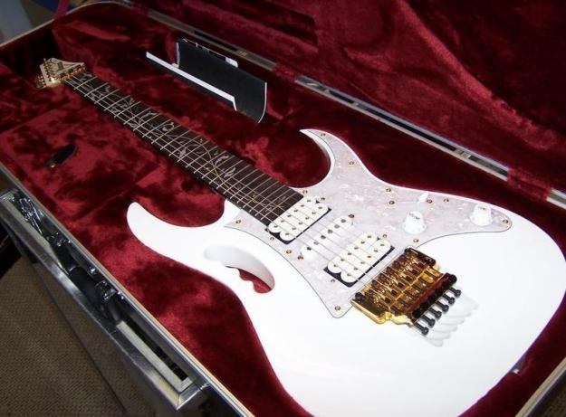 BIGZAPELIN Macam2 Gitar Listrik Ibanezz
