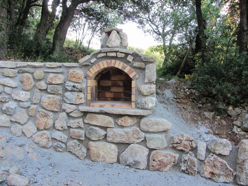 BatirsamaisonNet Construire Un Mur En Pierres Avec Barbecue Intgr