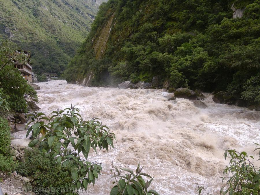 Río Urubamba Aguas Caliente