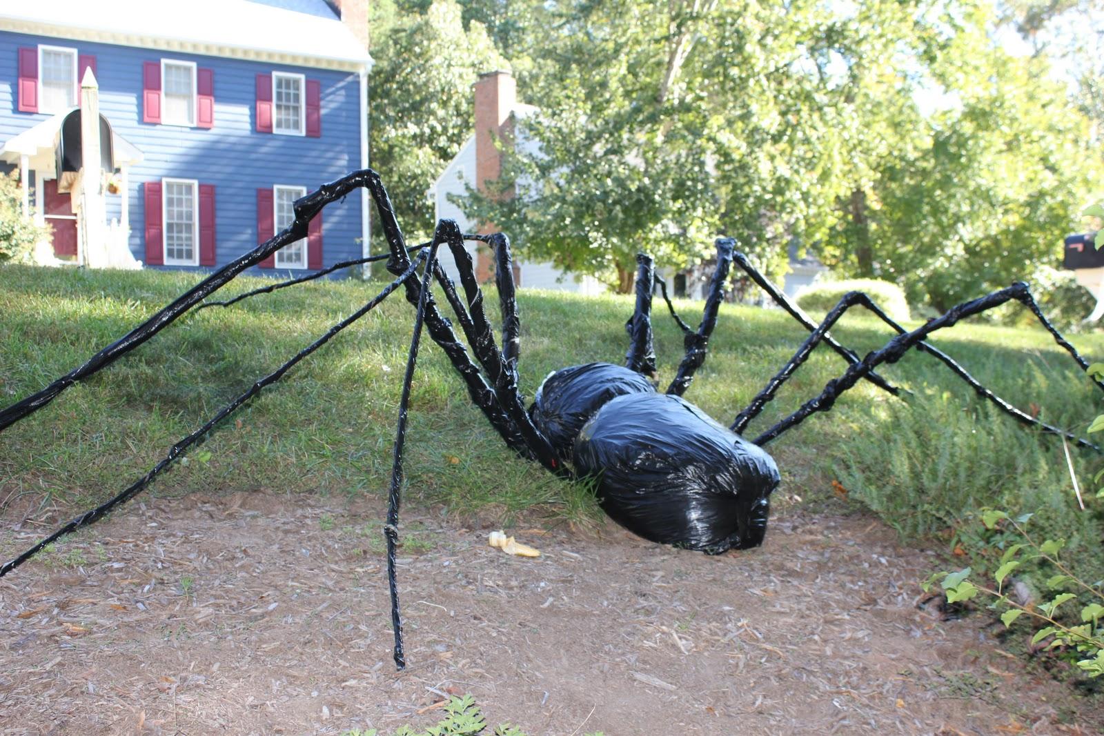 peahen pad: trash bag yard spider