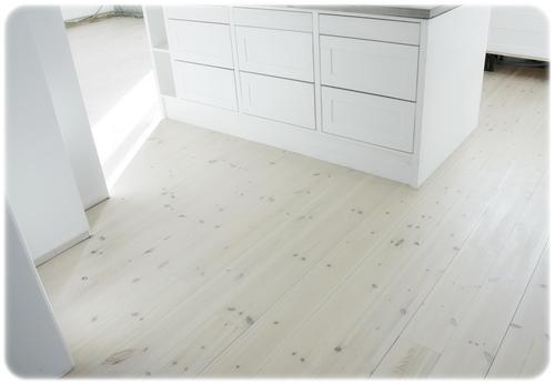 lackat golv, renovering, furugolv