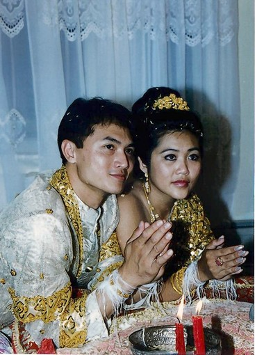 Cambodian Dresses Khmer Girl And Boy In Wedding Ceremony