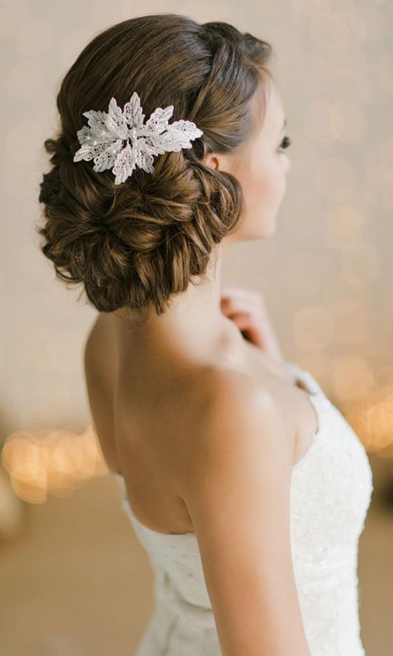 Awesome Lace Headpieces For Brides