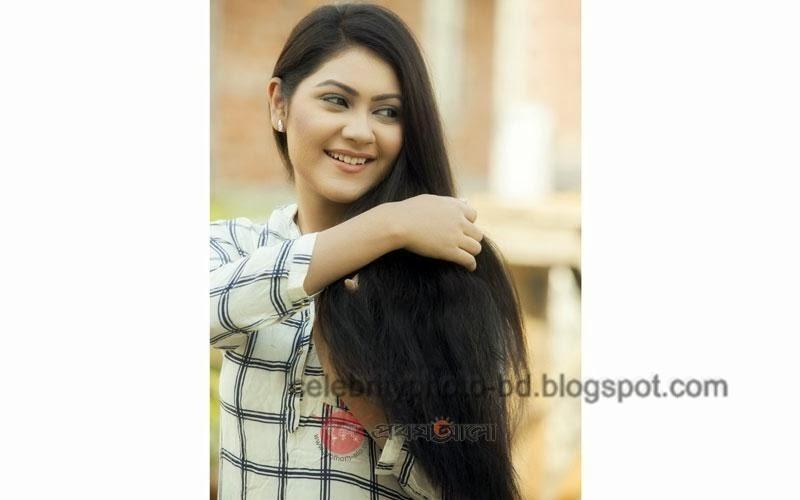 Bangladeshi+model+Shayna+Amin+Hot+Photos005