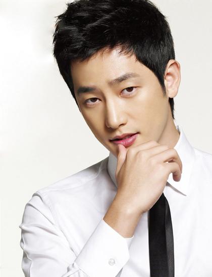 Nam diễn viên xứ Hàn Park Shi Hoo đã xin rút khỏi giải danh sách đề cử hạng mục Nam diễn viên điện ảnh xuất sắc nhất tại giải thưởng Baeksang.