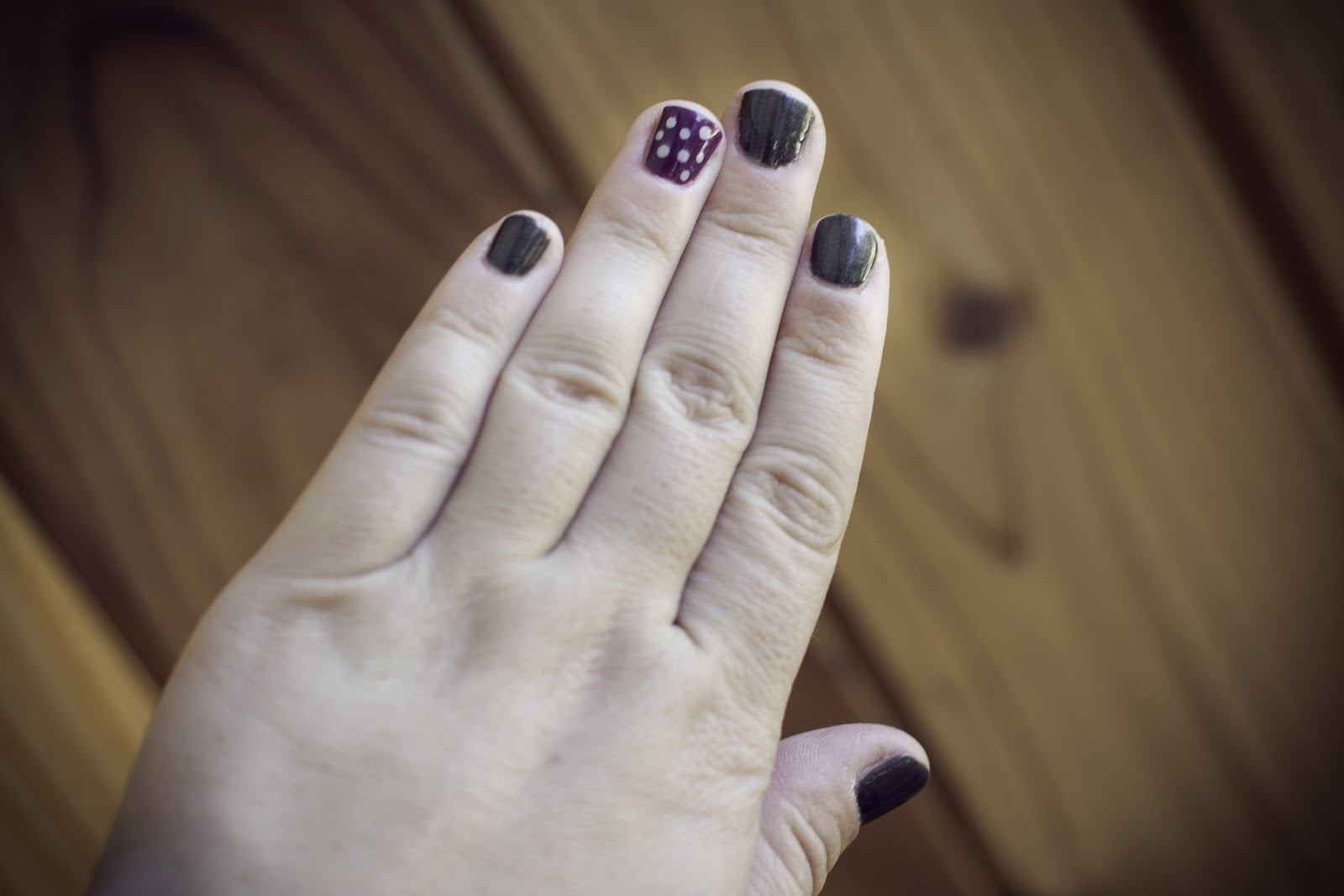 the Anna Delores blog.: lacquered up // fragrance-free nail polish