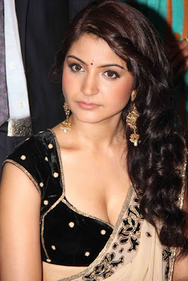 Anushka Sharma Hot Boobs Cleavage in Saree Photos