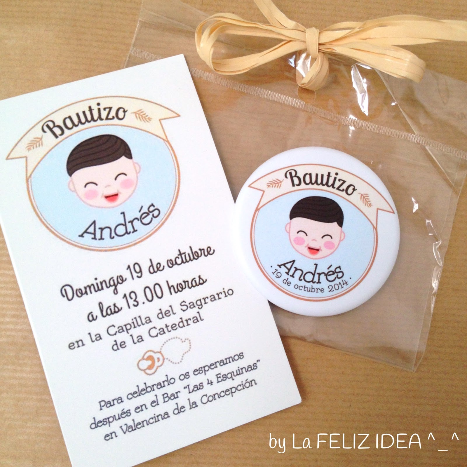 Christening invitation and magnet favor - Invitación de bautizo e imán de recuerdo