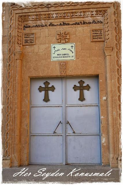 Mor Gabriel Manastırı giriş kapısı