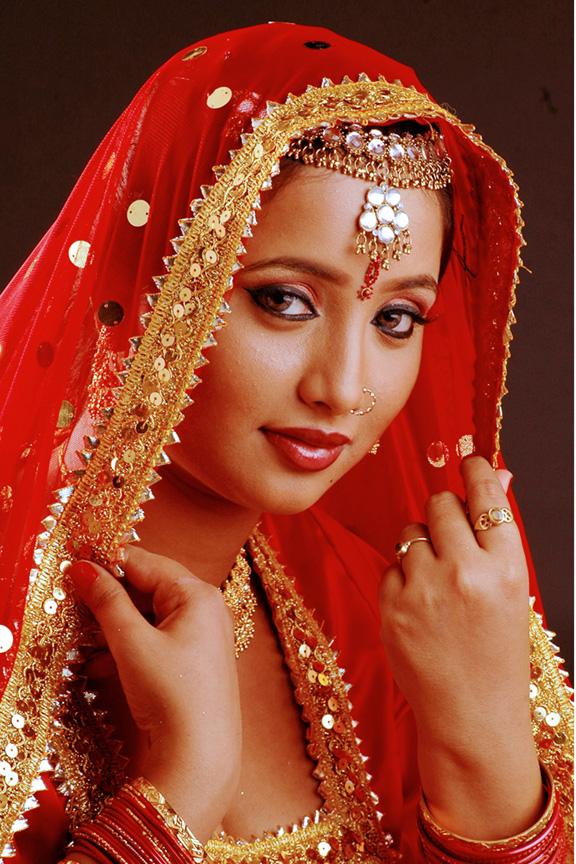 Bhojpuri cinema action queen Rani Chatterjee wiki, Biography, Rani Chatterjee Latest News, Photos, wallpaper, Videos, All Upcoming films Info
