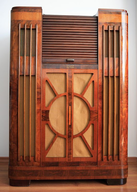 Philco 38-690 - huge, top of 1938 line