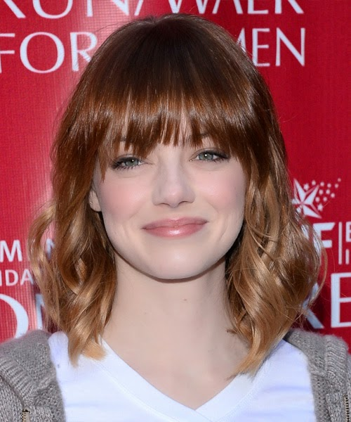 Emma Stone medium wavy hairstyle