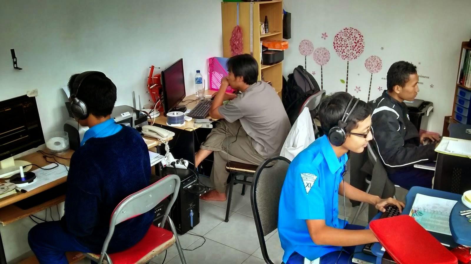 siswa magang smk multimedia