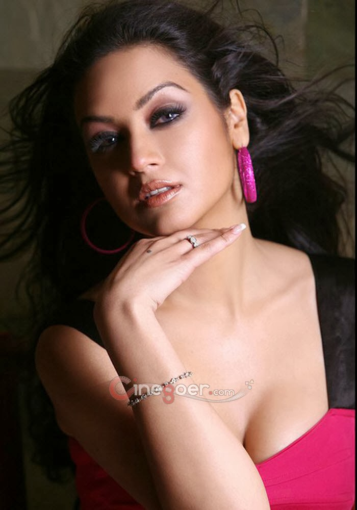 Maryam Zakaria Hot Photos