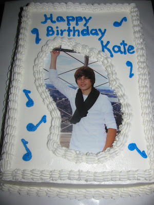 Justin Bieber Cakes at WalMart http://birthdaycakecenter.blogspot.com/2011/06/kate-and-justin-bieber.html