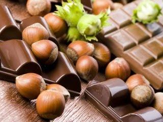 Čokolade i lješnjaci download besplatne pozadine slike za mobitele