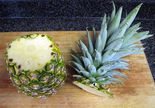 the little road said go i 39 ve got a loverly bunch of pineapples. Black Bedroom Furniture Sets. Home Design Ideas
